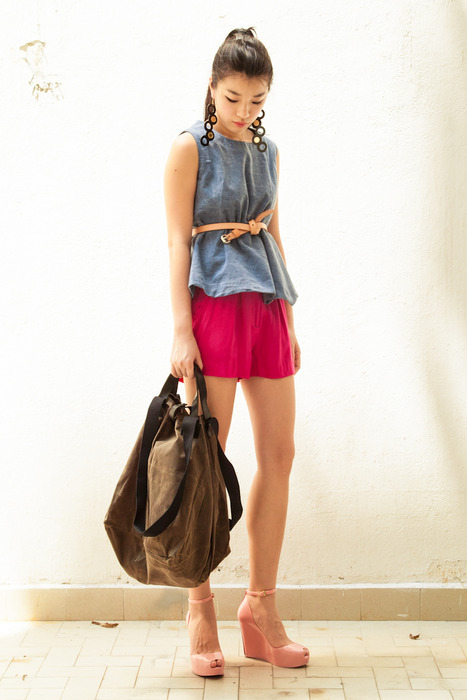 nana & bird essentials denim top matched with Aijek Paperbag shorts with The J.Myers Company slim jim belt. Paired with Jennifer Loiselle earrings and Marie Turnor Idea Bag (small).